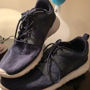 Dark Blue Nike Roshes - Size 8